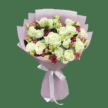 Blumenstrauß aus Rosen und Lisianthus