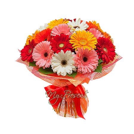 Blumenstrauß aus den vielfarbigen Gerbera