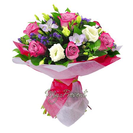 Blumenstrauß aus Rosen, Lisianthus, Frezia