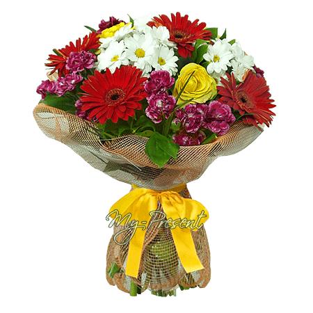 Blumenstrauß aus  Germinis, Chrysanthemen, Rosen in Minsk