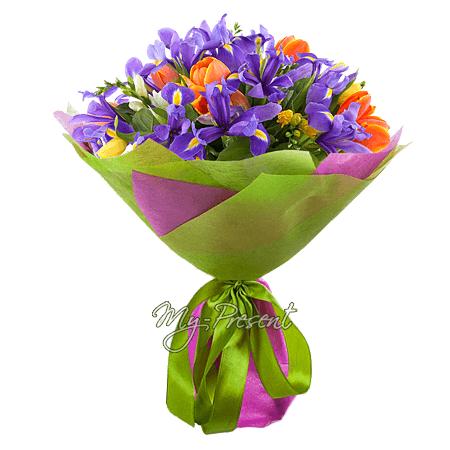 Blumenstrauß aus Tulpen, Irisen und Alstroemerien
