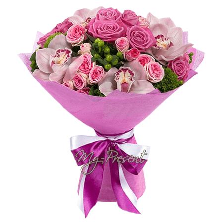 Blumenstrauß aus Orchideen und Rosen