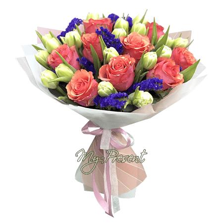 Blumenstrauß aus Rosen, Tulpen und Limonium