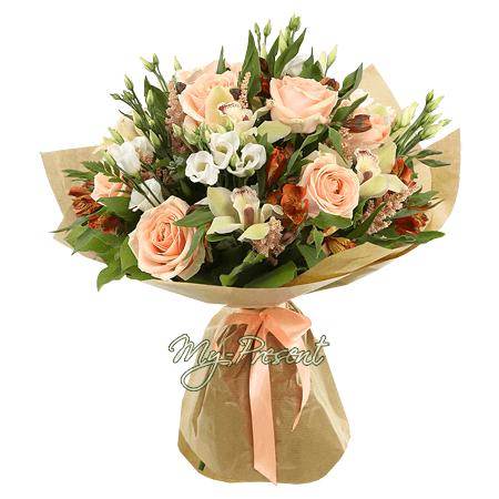 Blumenstrauß aus Rosen, Orchideen, Lisianthus