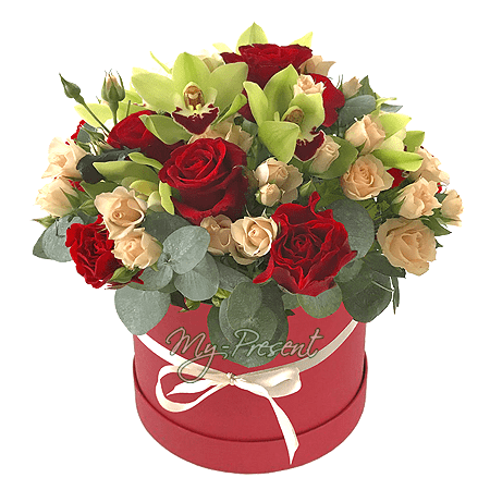 Rosen und Orchideen in einer Box