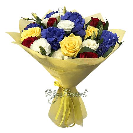 Blumenstrauß aus Rosen, Hortensien und Lisianthus