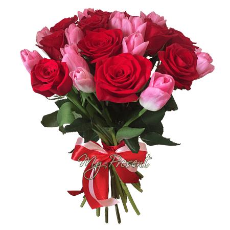 Blumenstrauß aus Rosen und Tulpen