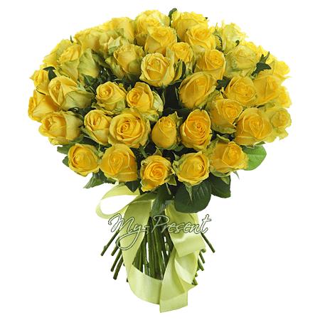 Blumenstrauß aus gelben Rosen