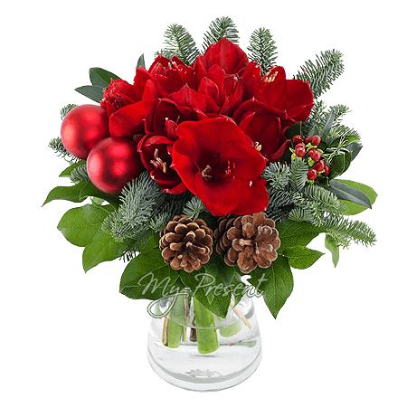 Blumenstrauß aus Amarilis und Das Weihnachtenspielzeug in Saratow