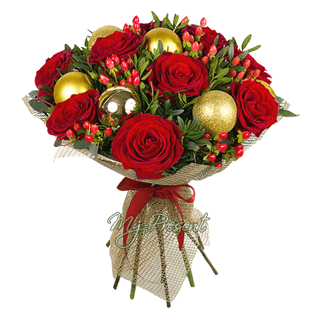 Blumenstrauß aus Rosen, Hypericum und Weihnachtsspielzeug in Saratow