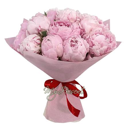 der Rabatt - Blumenstrauß aus Päonien